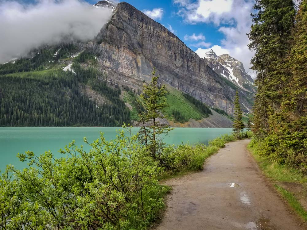 How to See the Best of Lake Louise in One Day - Casual Travelist